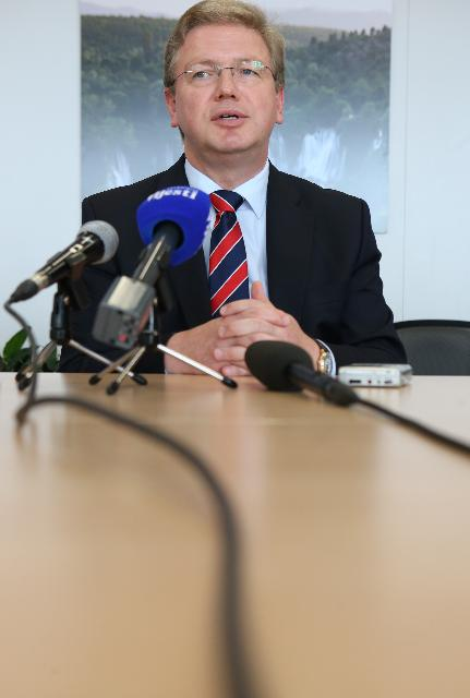 Press conference by Štefan Füle, Member of the EC, on the accession of Montenegro to the EU