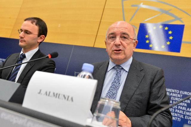 Press conference by Joaquín Almunia, Vice-President of the EC, on the acquisition of Austrian mobile phone operator Orange by H3G