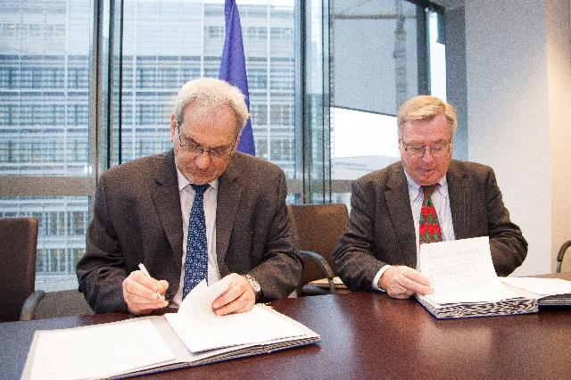 Signing of a funding agreement between the TFGR and the World Bank