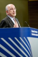 Conférence de presse de Joaquín Almunia, vice-président de la CE, sur l'amende infligée à Lundbeck et à d'autres laboratoires pharmaceutiques pour avoir retardé la commercialisation de médicaments génériques
