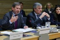 3e réunion du groupe d'experts de haut niveau sur les technologies clés génériques, avec la participation d'Antonio Tajani, vice-président de la CE, et Johannes Hahn, membre de la CE