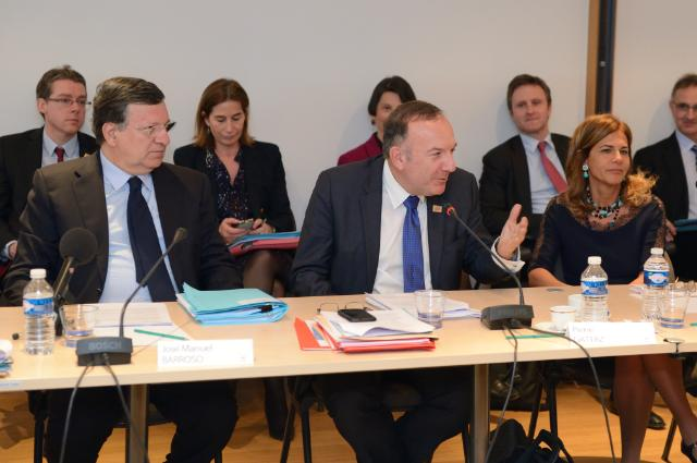 Participation of José Manuel Barroso, President of the EC, in a meeting of the Executive Council of the Movement of French Enterprises