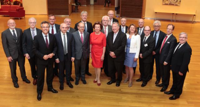 Participation of Neelie Kroes, Vice-President of the EC, in a meeting of the Electronics Leaders Group
