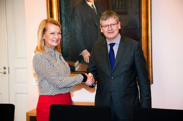 Visite de László Andor, membre de la CE, en Finlande