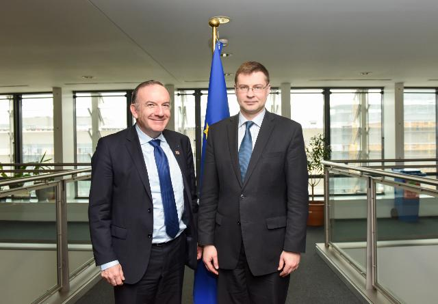 Valdis Dombrovskis receives Pierre Gattaz, President of the Movement of French enterprises (Medef), and Chairman of the Executive Board and President of the Executive and Strategic Committee of Radiall