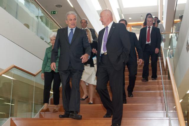 Visite de Dimitris Avramopoulos, membre de la CE, au Portugal