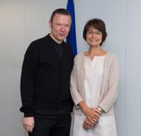 Visit of Alex Callier, founder, musician, composer and producer of the group Hooverphonic, to the EC