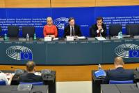 Press conference on the results of the weekly EC College meeting by Jyrki Katainen, Vice President of the EC, and Elżbieta Bieńkowska, Member of the EC