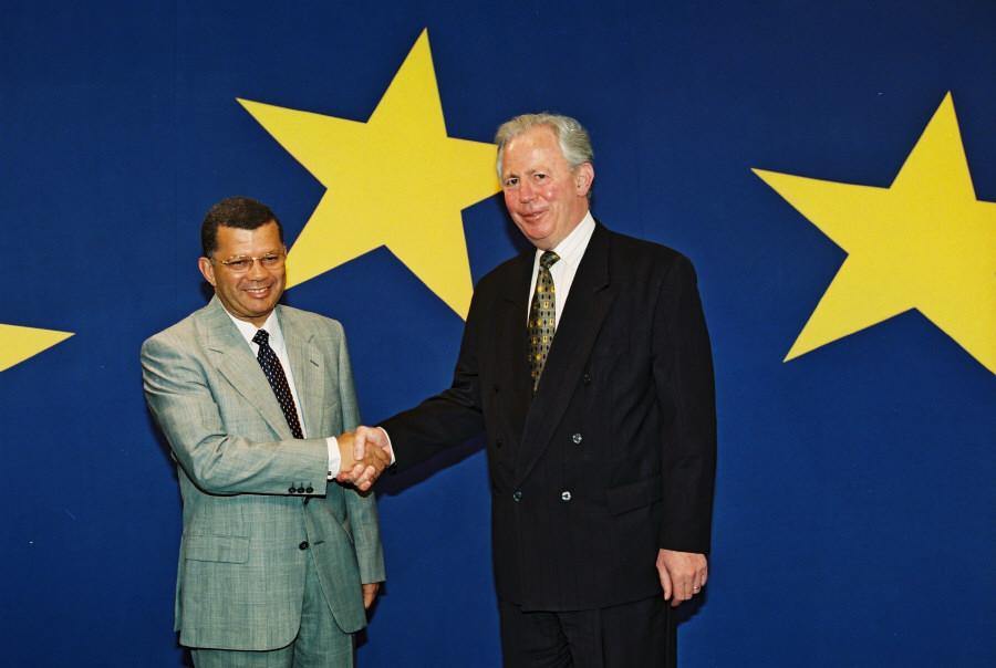 Visite de Carlos Wahnon Veiga, Premier ministre capverdien, à la CE