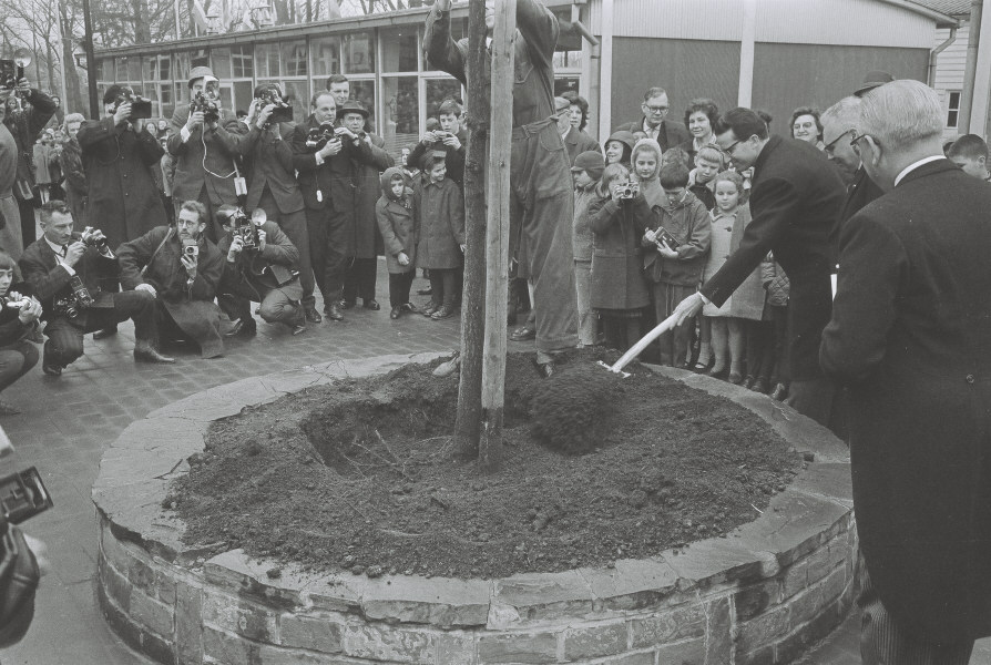 Baudouin, King of the Belgians, at the inauguration of the new buildings of the European School in Uccle
