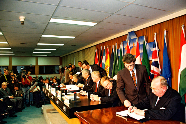 Signature of the European association agreements with Hungary, Poland and Czechoslovakia