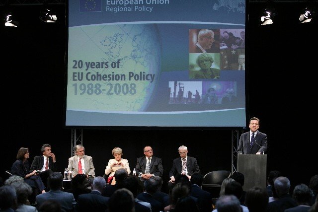 Participation of José Manuel Barroso, President of the EC, and Danuta Hübner, Member of the EC, in a conference organized for the 20th anniversary of the Cohesion Policy