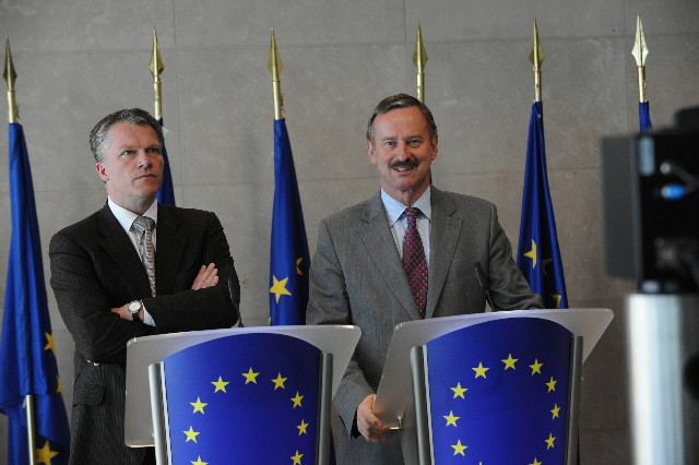 Press conference between Wouter Bos, Dutch Deputy Prime Minister and Minister for Finance, and of Siim Kallas, Vice-President of the EC.