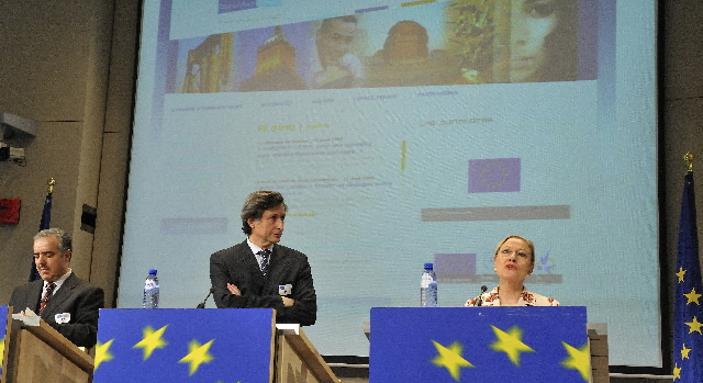 Joint press conference of Benita Ferrero-Waldner, Slaheddine Maaoui and Patrick de Carolis on the launch of EuroMed-News