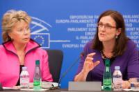 Conférence de presse conjointe de Viviane Reding, vice-présidente de la CE, et Cecilia Malmström, membre de la CE, sur les mesures pour renforcer la protection des données des citoyens