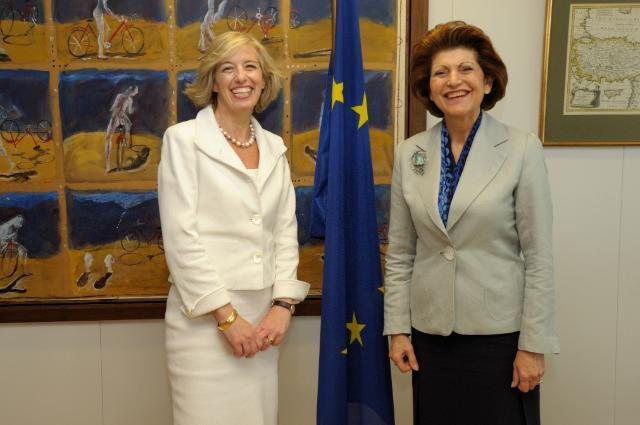 Visite de Stefania Giannini, recteur de l'université pour étrangers de Pérouse, à la CE