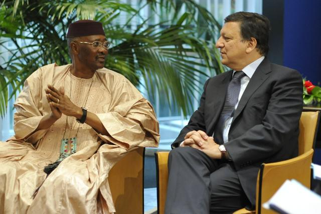 Meeting between José Manuel Barroso, President of the EC, and Amadou Toumani Touré, President of Mali