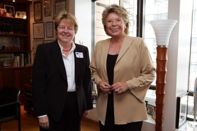 Visit of Brigitte Ederer, Member of the Managing Board of Siemens AG, to the EC