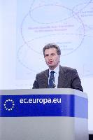 Conférence de presse de Günther Oettinger, membre de la CE, sur le paquet infrastructure énergétique
