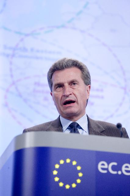 Press conference by Günther Oettinger, Member of the EC, on the Energy Infrastructure Package