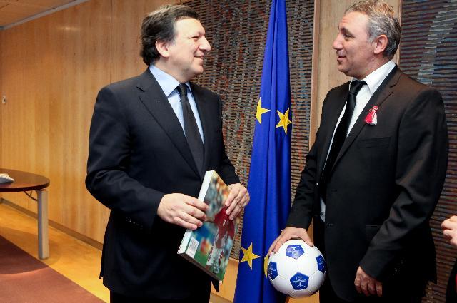 Visit of Hristo Stoichkov, Former Bulgarian football player, to the EC