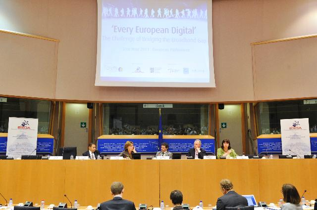 Participation of Neelie Kroes, Vice-President of the EC, at the Every 'European Digital: The Challenge of Bridging the Broadband Gap' conference