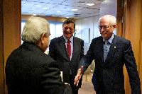 Handshake between Demetris Christofias, President of Cyprus and President in office of the Council of the EU, on the left, and Herman van Rompuy, on the right, in the presence of José Manuel Barroso