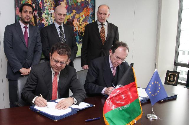 Cérémonie de signature de deux conventions de financement en vue de soutenir de nouveaux programmes dans les domaines de la santé et de l'agriculture en Afghanistan