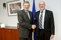 Visit of Derek Hanekom, South African Minister for Science and Technology, to the EC