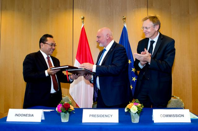 Signature of a Voluntary Partnership Agreement between the EU and Indonesia in the framework of FLEGT