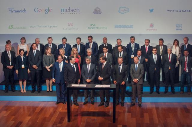 Participation de José Manuel Barroso, président de la CE, à la signature de l'entrée de l'entreprise Nestlé dans l'Alliance européenne pour l'apprentissage