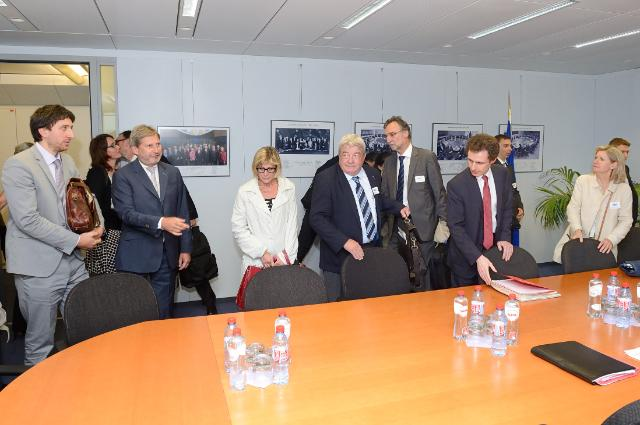 Visit of a group of French Governors to the EC