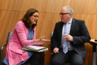 """Illustration of """"Weekly meeting of the Juncker Commission"""""""