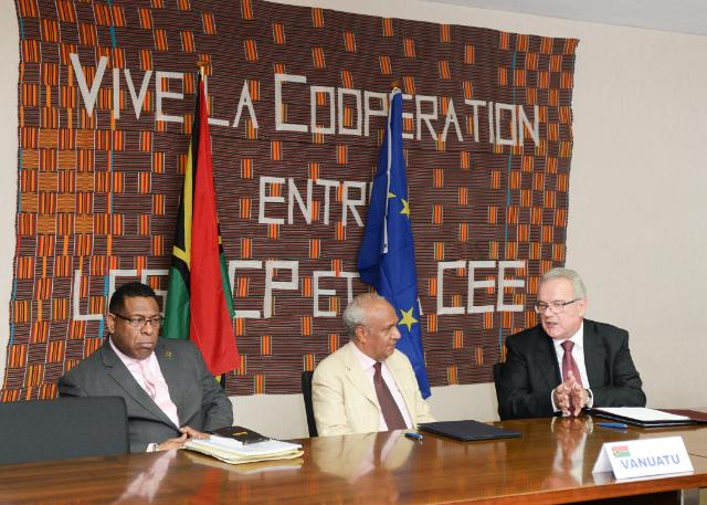 Signing ceremony of the National Indicative Programme for Vanuatu for the 2014-2020 period