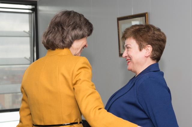 Visite de Laura Tuck, vice-présidente de la Banque mondiale pour l'Europe et l'Asie centrale, à la CE