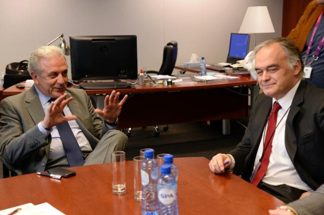 Visite d'Esteban González Pons, membre du PE et vice-président du Groupe du Parti populaire européen, à la CE