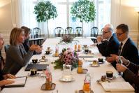"""Illustration of """"Visite de Federica Mogherini, vice-présidente de la CE, en Finlande"""""""