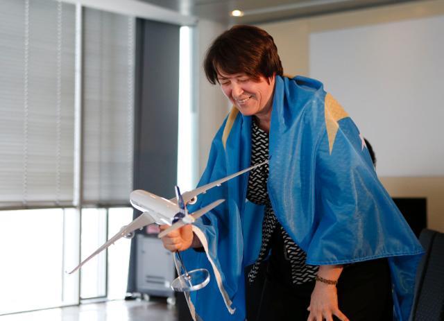 Visite de Violeta Bulc, membre de la CE, au siège de l'AESA à Cologne