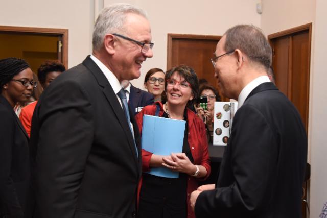 Participation de Neven Mimica, membre de la CE, et Ban Ki-moon, secrétaire général des Nations unies, à l'évènement 'Notre monde, notre dignité, notre avenir: le programme de développement pour l'après-2015 et le rôle des jeunes'
