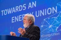 Conférence de presse conjointe de Maroš Šefčovič, vice-président de la CE, et Miguel Arias Cañete, membre de la CE, sur le paquet d'été de la CE sur l'Énergie et le Climat