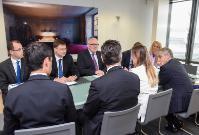Visite de Maria Elena Boschi, ministre italienne pour les Réformes constitutionnelles et les Relations avec le Parlement, à la CE