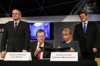 Participation of Maroš Šefčovič, Vice-President of the EC, and Elżbieta Bieńkowska, Member of the EC, in the signing ceremony of the Joint EU/ESA Statement