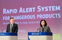 Conférence de presse de Vĕra Jourová, membre de la CE, sur le rapport annuel 2016 sur le Système d'Alerte rapide (RAPEX)