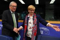 Participation de Jean-Claude Juncker, président de la CE, à une réunion du Groupe confédéral GUE/NGL