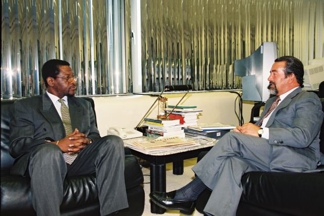 Visit by Edison James, Dominican Prime Minister, to the EC