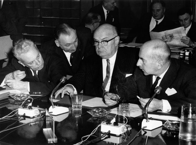 Agriculture Council: meeting of 01/12/1964