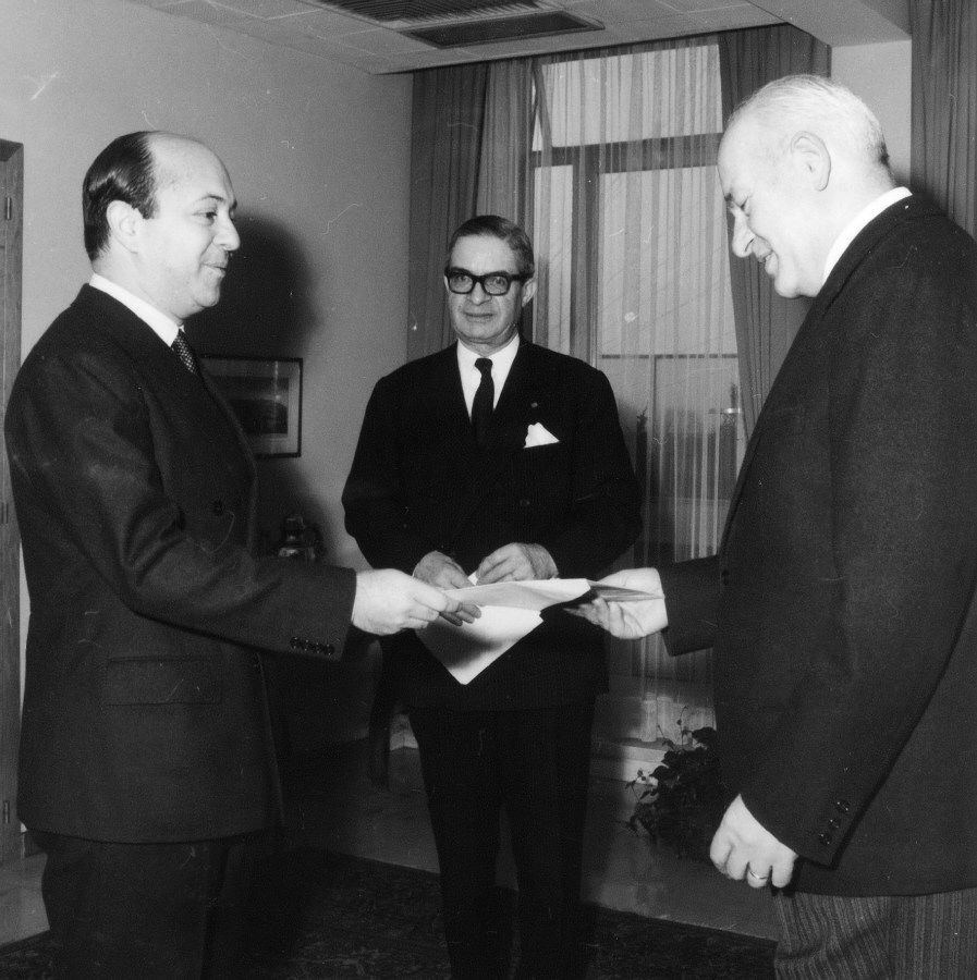 Presentation of the credentials of the Heads of Mission to Lionello Levi Sandri, Vice-President of the Commission of the EEC