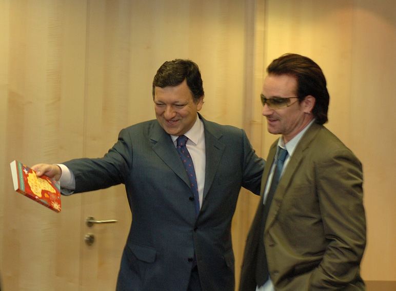 Visit of Bono, musician and representative of the Make Poverty History campaign, to the EC