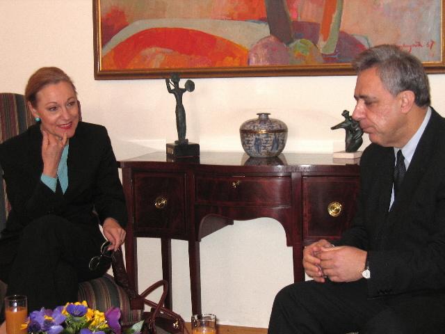 Visit by Benita Ferrero-Waldner, Member of the EC, to Armenia