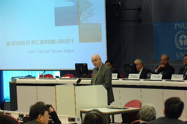 Participation of Stavros Dimas, Member of the EC, in the 8th Session of Working group 2 of the Intergovernmental Panel on Climate Change (IPCC)